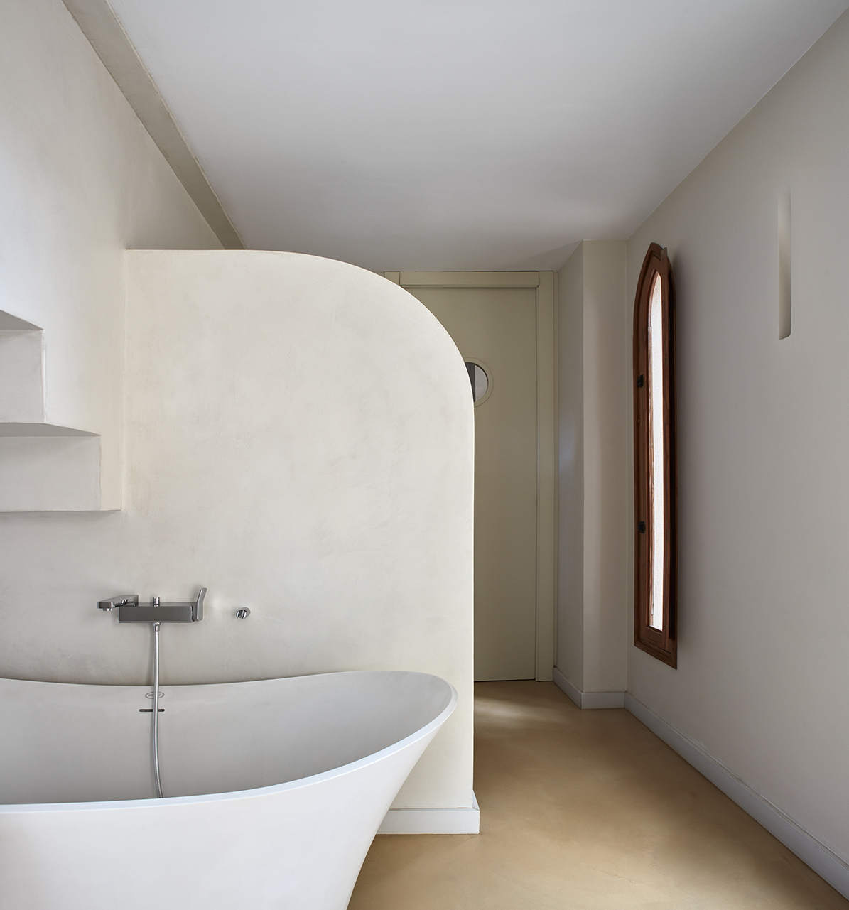 Baño de microcemento en paredes y suelo Casa Isabel