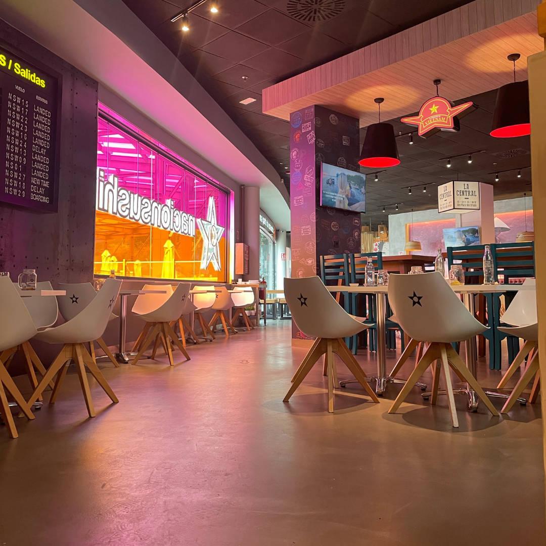 Nacionsushi restaurant with microcemento pavement