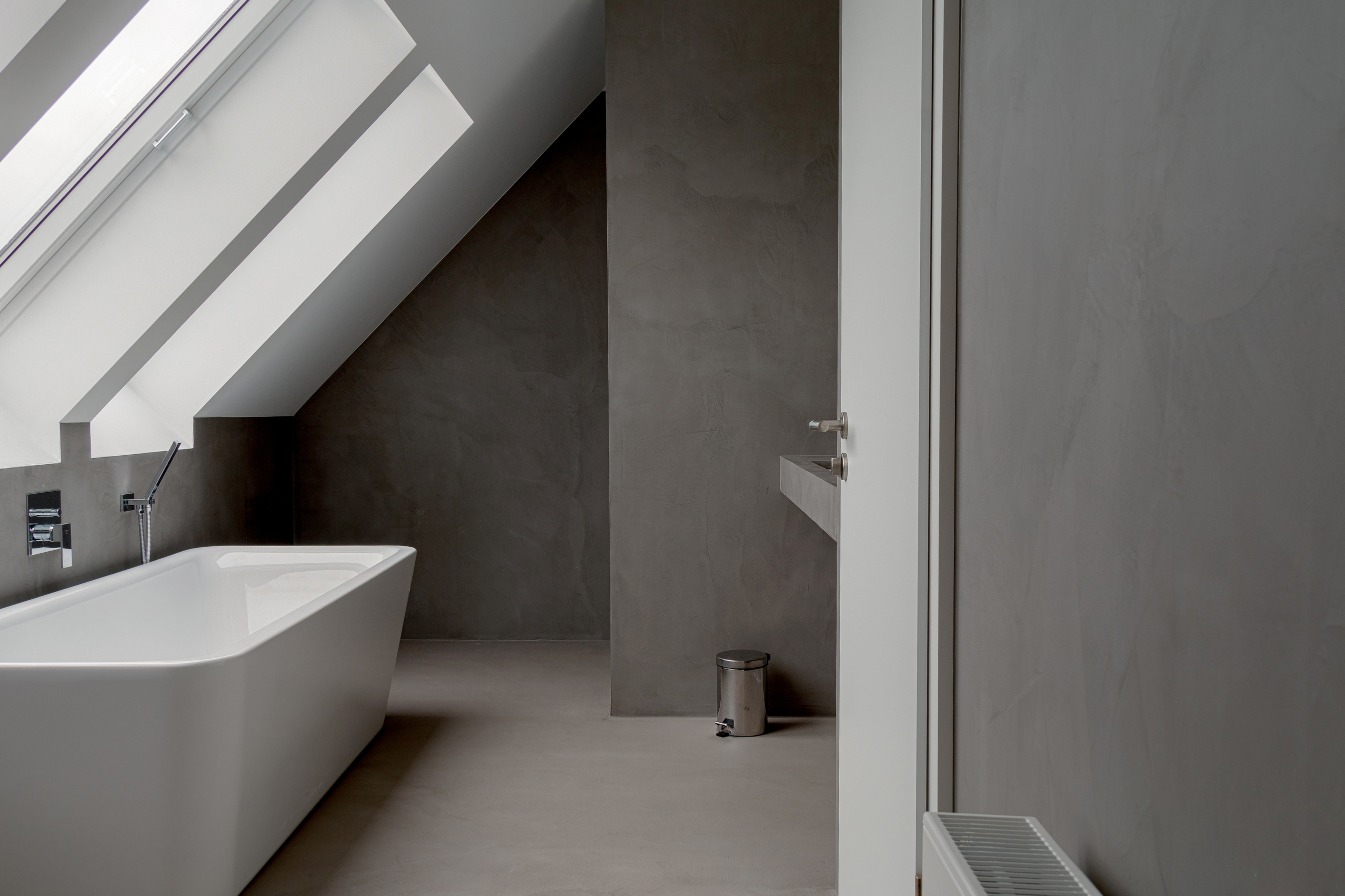 Bathroom with Topciment grey microcement