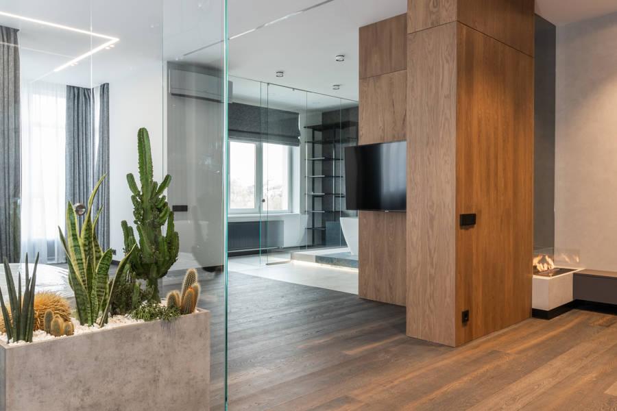 vivienda con paneles de madera como revestimiento de pared