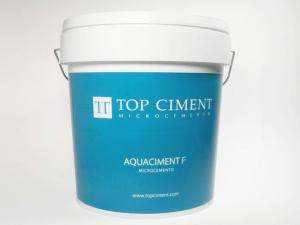 Aquaciment F Microcemento para revestimiento de piscinas con textura fina