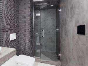 Beschichtung für Duschen und Nassbereich mit Mikrozement