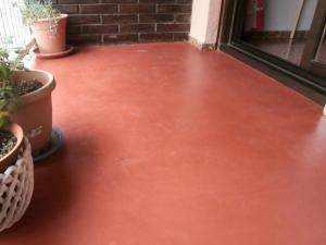suelo cotinuo de microcemento en terraza